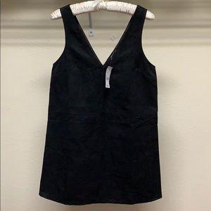 🌷Kendall & Kylie Black V-Neck Sleeveless Mini 🌷